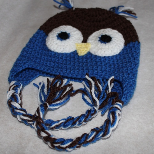 Owl hat, made with a FREE pattern from Repeat Crafter Me