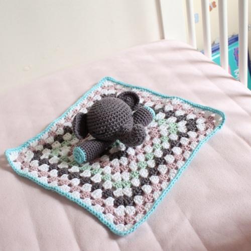 Amigurumi Elephant Snuggle : Elephant Snuggle on missneriss.com - free pattern