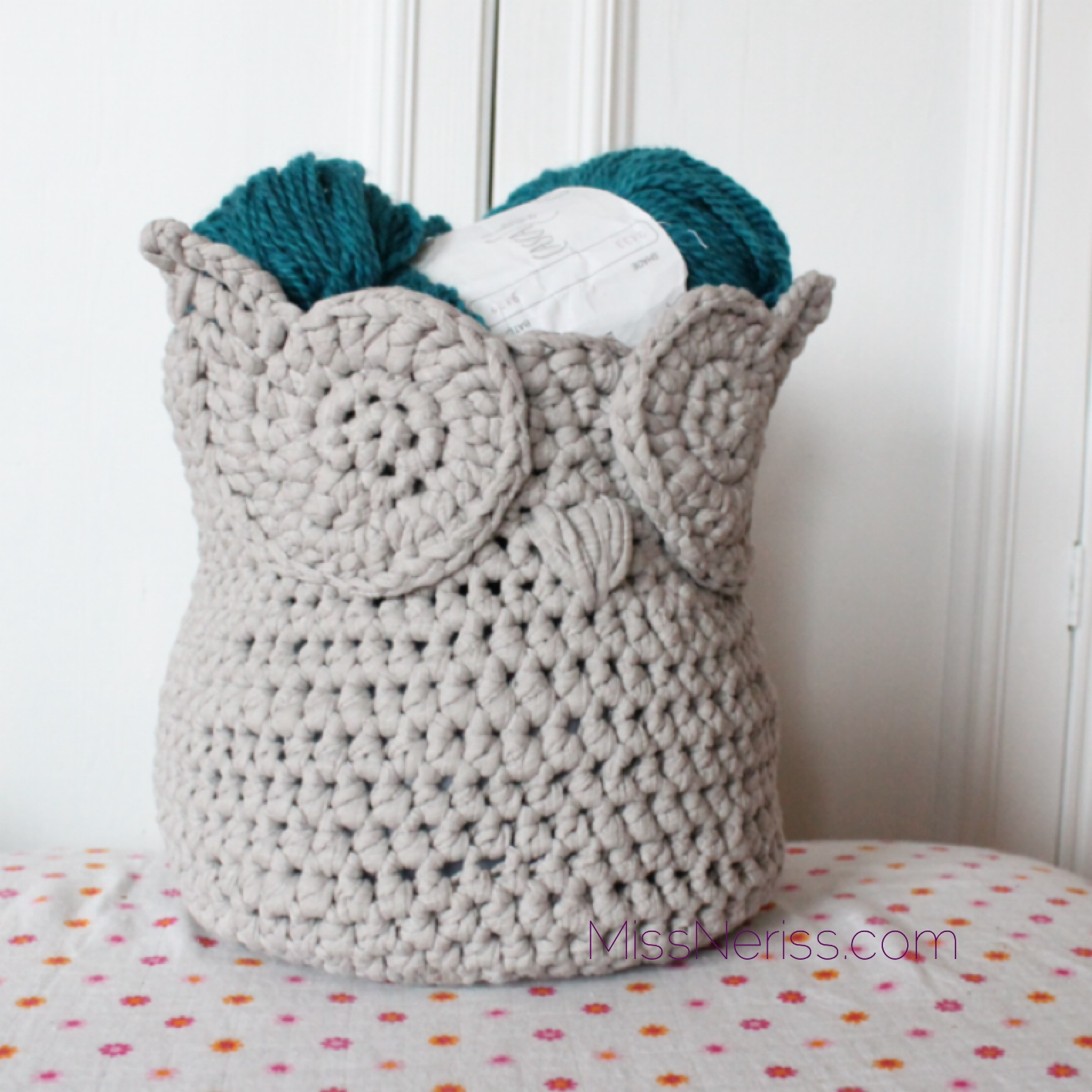 Free Crochet Patterns Owl Basket : Owl Zpagetti Yarn Basket MissNeriss