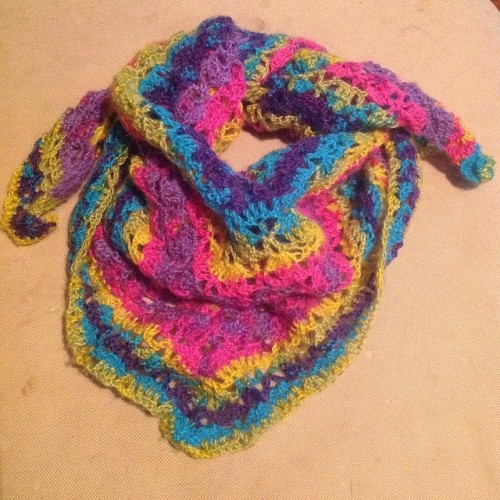 Spring Scarf - free pattern on missneriss.com