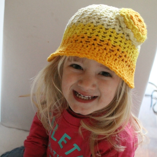 Bucketful of Sunshine hat on missneriss.com - free pattern #scheepjes #scheepjeswol #cotton8 #crochet #freepattern