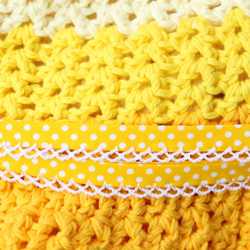 Experimenting with colours on missneriss.com #crochet #spring