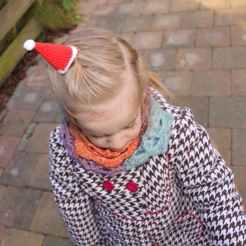 Merry Mini Christmas - Mini Santa Hat pattern from @missneriss