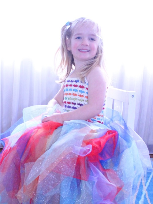 Rainbow Hearts Tutu - a free tutorial on missneriss.com