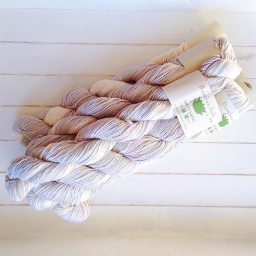 bamboo yarn from diversan  - http://diversan.nl/index.php?item=bamboe-witgrijs-gemeleerd&action=article&group_id=15&aid=322&lang=NL