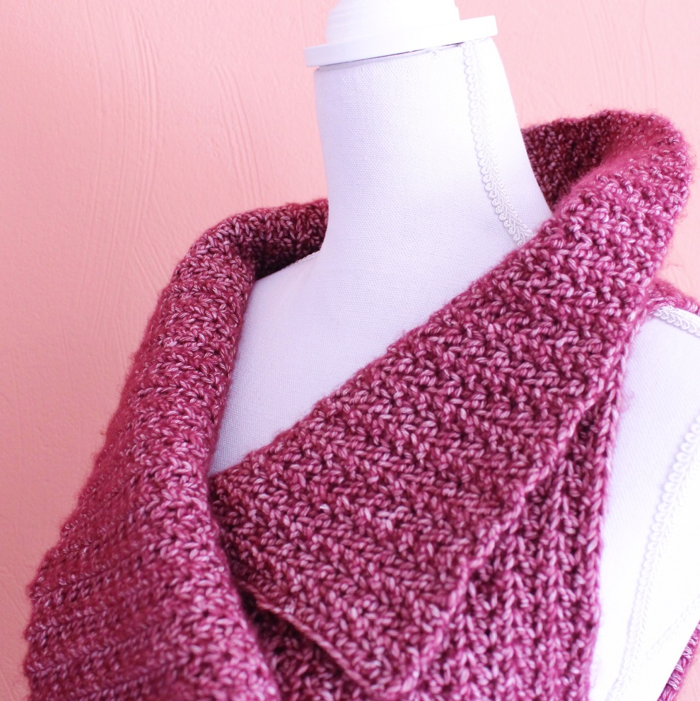 Standing collar on the crochet body warmer