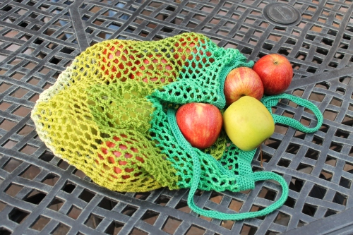 Granny Smith Crochet Market bag by designer @missneriss with Scheepjes Catona