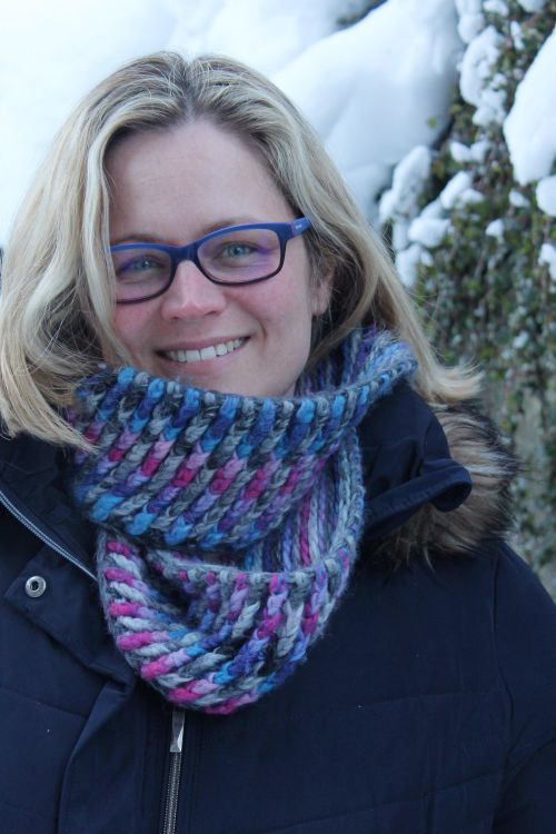 Chunky Crochet Brioche Cowl - free pattern available from missneriss.com.