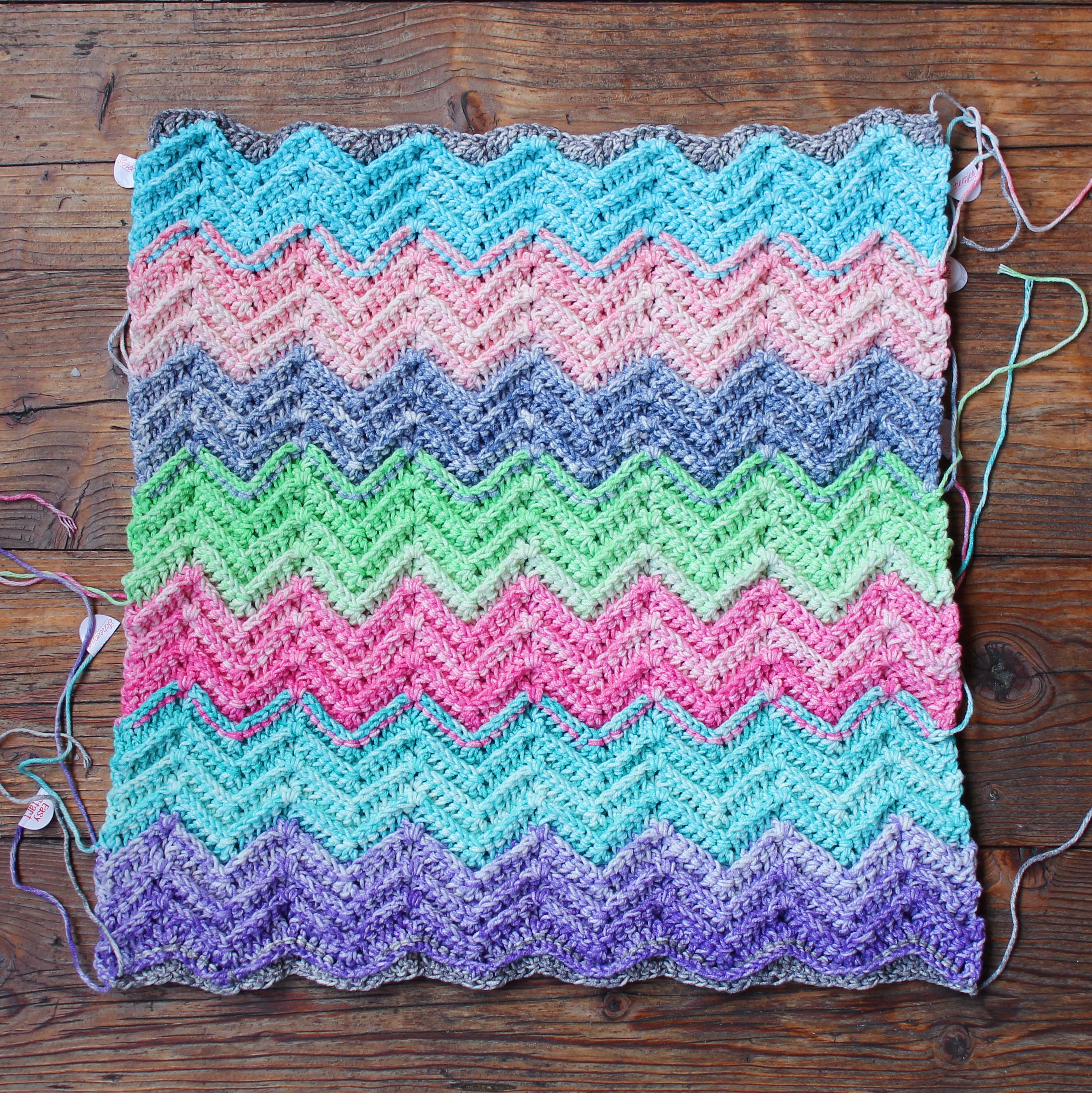 Textured Chevron crochet pattern in Scheepjes Aquarel