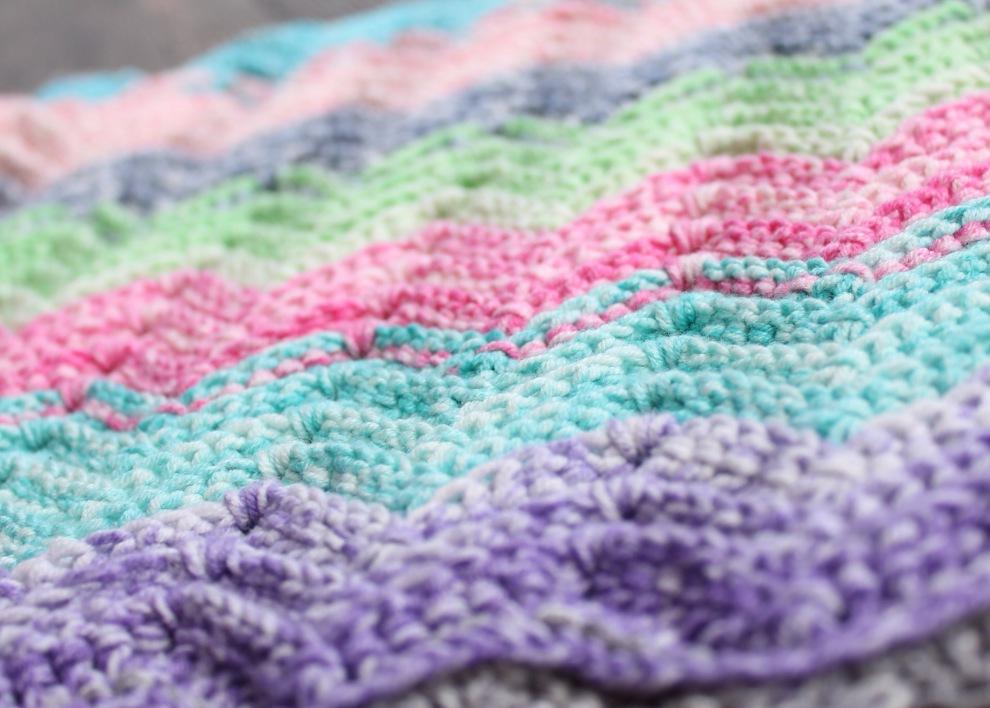 Textured Chevron crochet pattern in Scheepjes Aquarel
