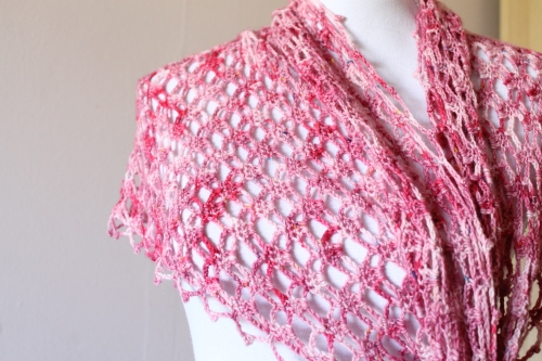 Emma Shawl crochet pattern, by MissNeriss. Pattern available on Ravelry.