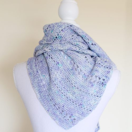 Miriem Shawl crochet pattern by @missneriss. Available on Ravelry