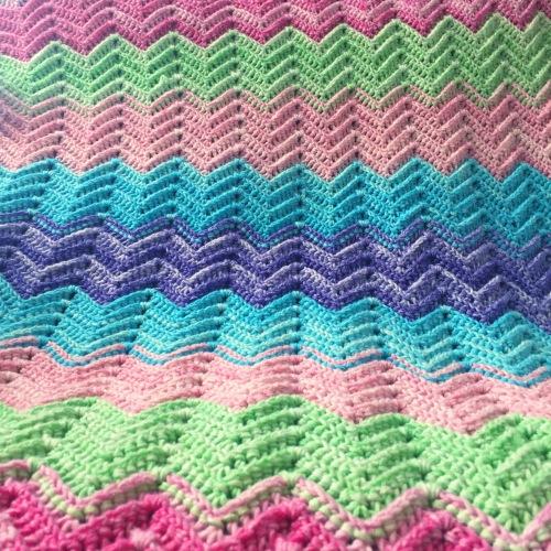 Textured Chevron Blanket, free pattern by Nerissa Muijs
