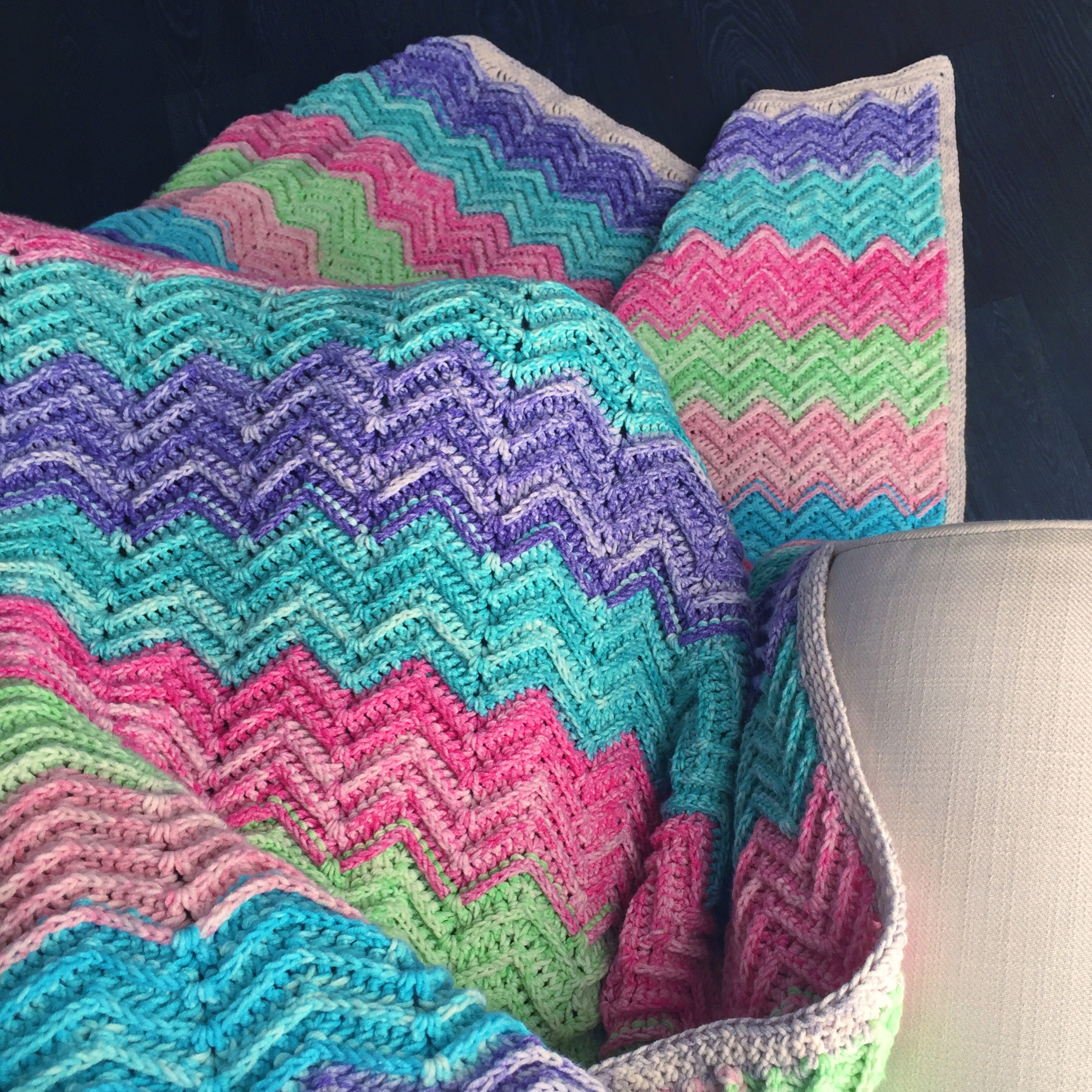 Textured Chevron Blanket, free pattern by Nerissa Muijs