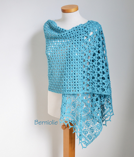 Noor Shawl by Berniolie, on Ravelry: http://www.ravelry.com/patterns/library/noor