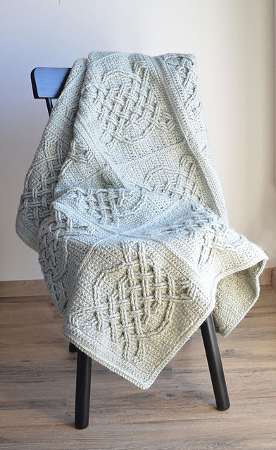 Celtic Tiles Blanket pattern from Lilla Bjorn at Ravelry