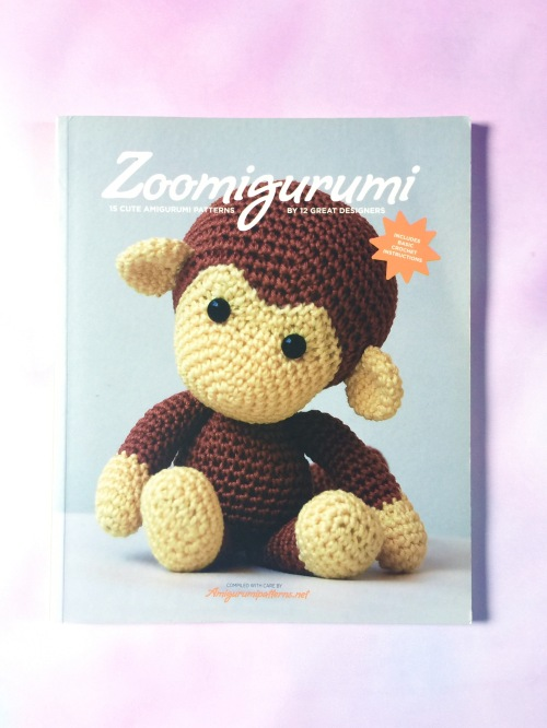Zoomigurumi - 15 cute amigurumi designs, from Amigurumipatterns.net. Book available at the Book Depository with free global shipping http://bit.ly/zoomigurumi