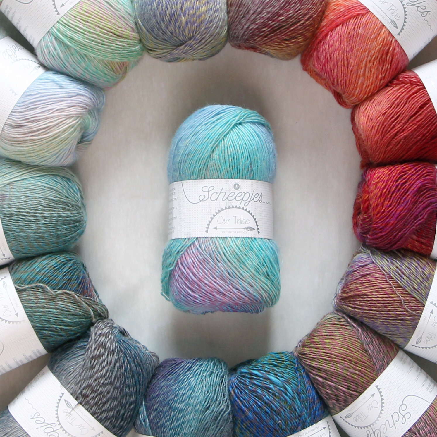 The full tribe. Centre colourway MissNeriss (966)